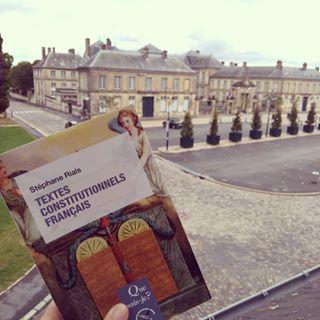 [En librairie] Textes constitutionnels franais de Stphane Rials  Mettre  la disposition dun...