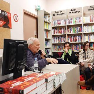 Une belle rencontre avec Nicolas Werth  la @librairiecompagnie hier soir. Merci pour ce beau...